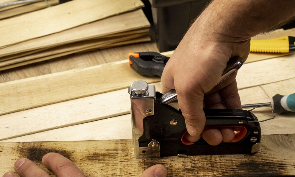 What Projects Need a Heavy-Duty Stapler